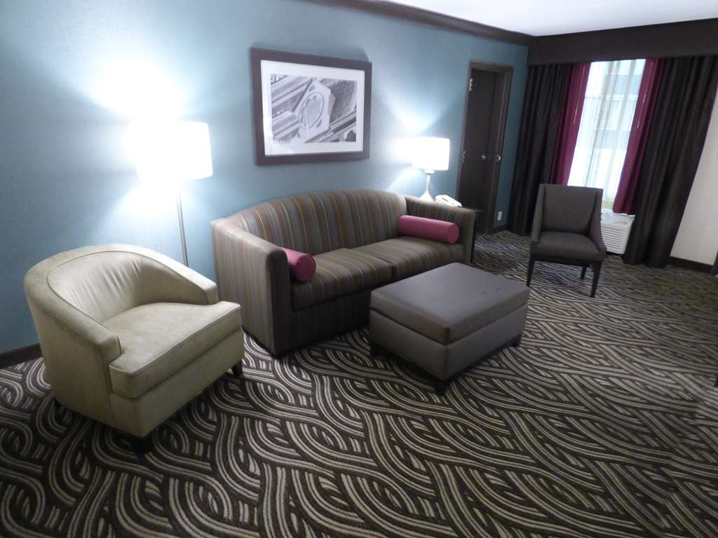 Best Western Plus Kingston Hotel and Conference Center - Suite