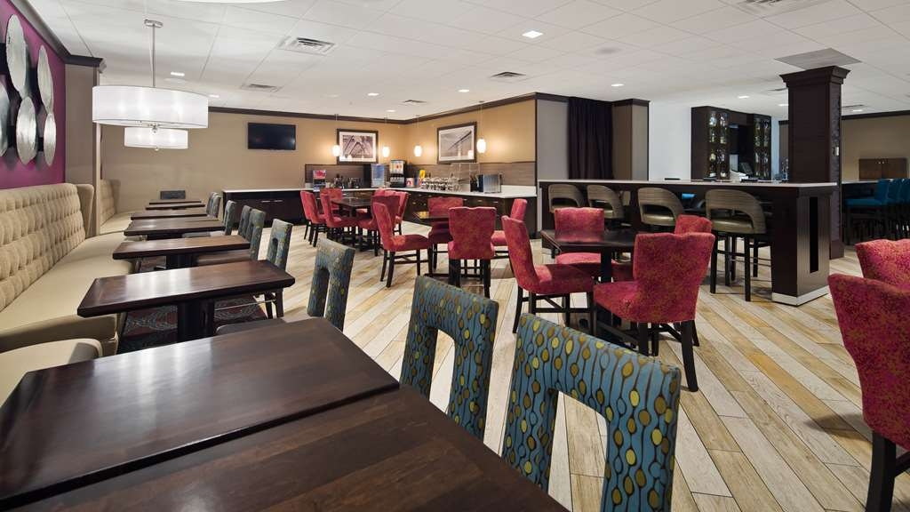 Best Western Plus Kingston Hotel and Conference Center - Restaurant / Gastronomie