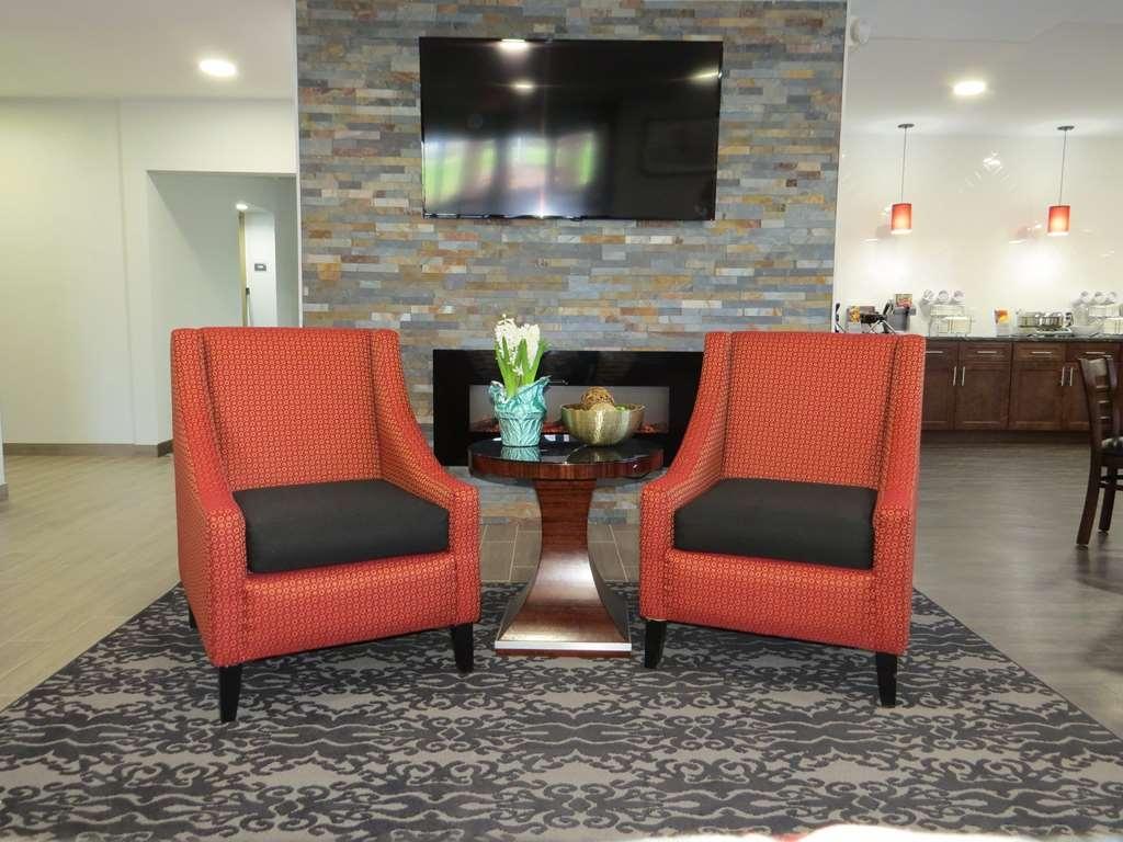 Best Western Plus East Syracuse Inn - reception
