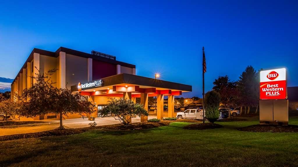Best Western Plus East Syracuse Inn - Façade