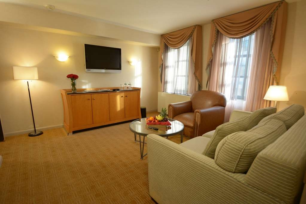 Inn at Great Neck, BW Premier Collection - Suite