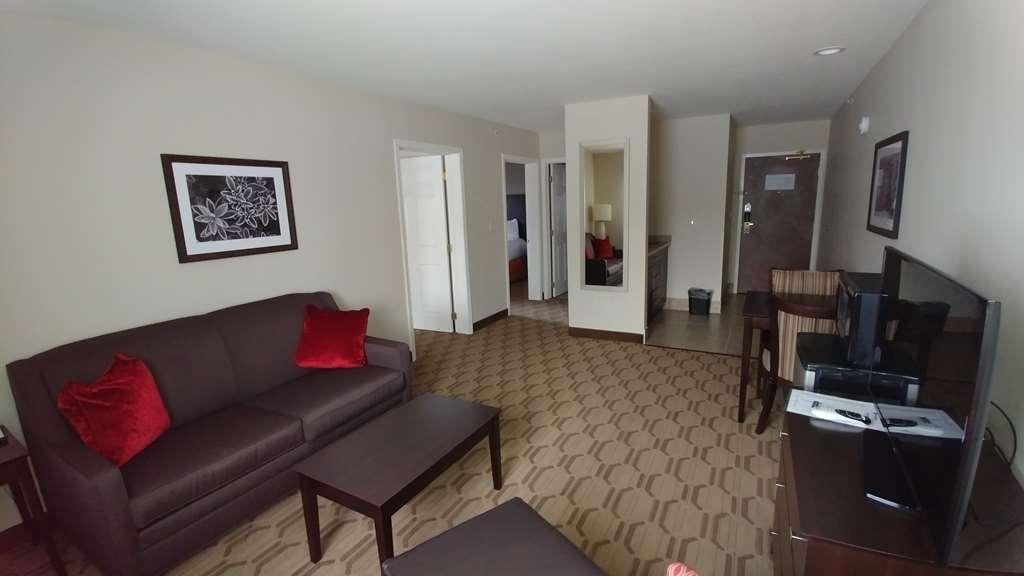 Best Western Palmyra Inn & Suites - Suite