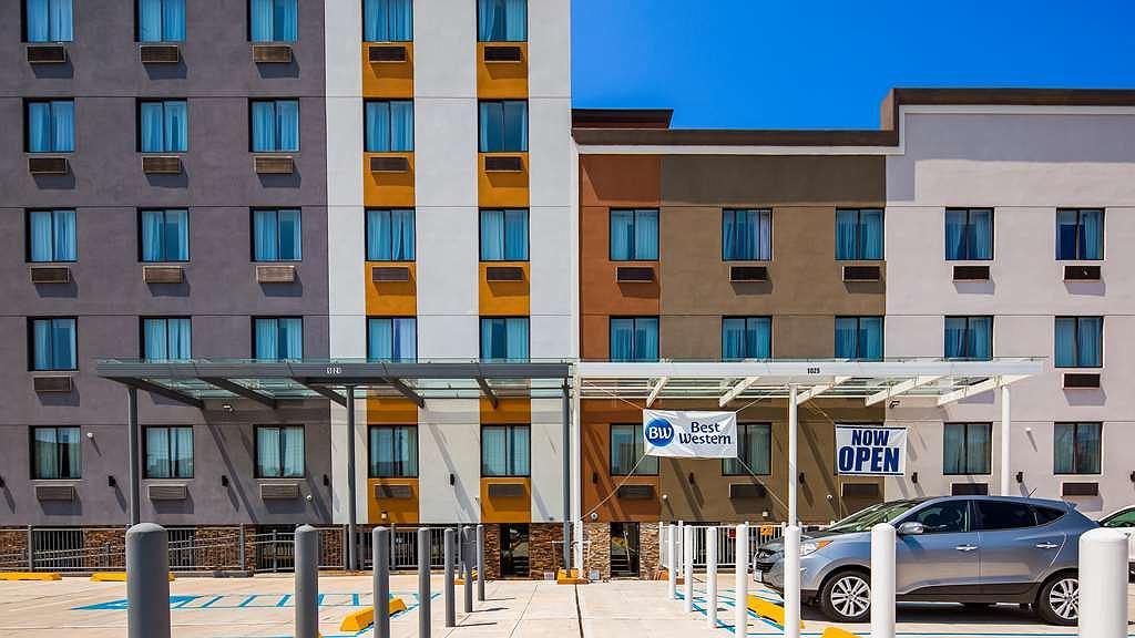 Best Western Far Rockaway Inn - Façade