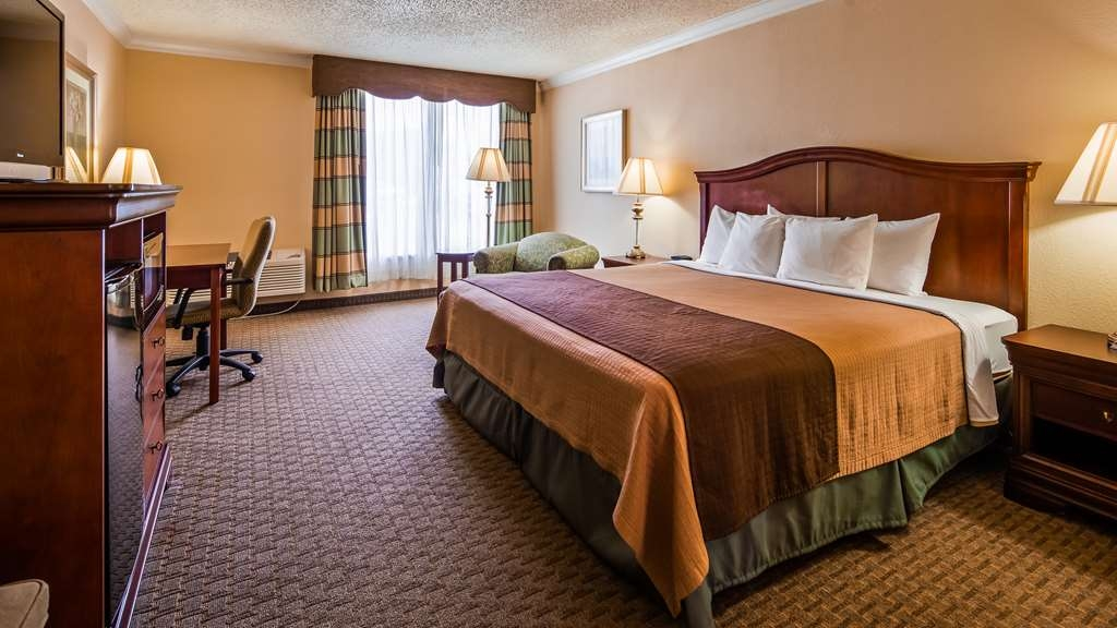 Best Western Plus Burlington - Guest Room
