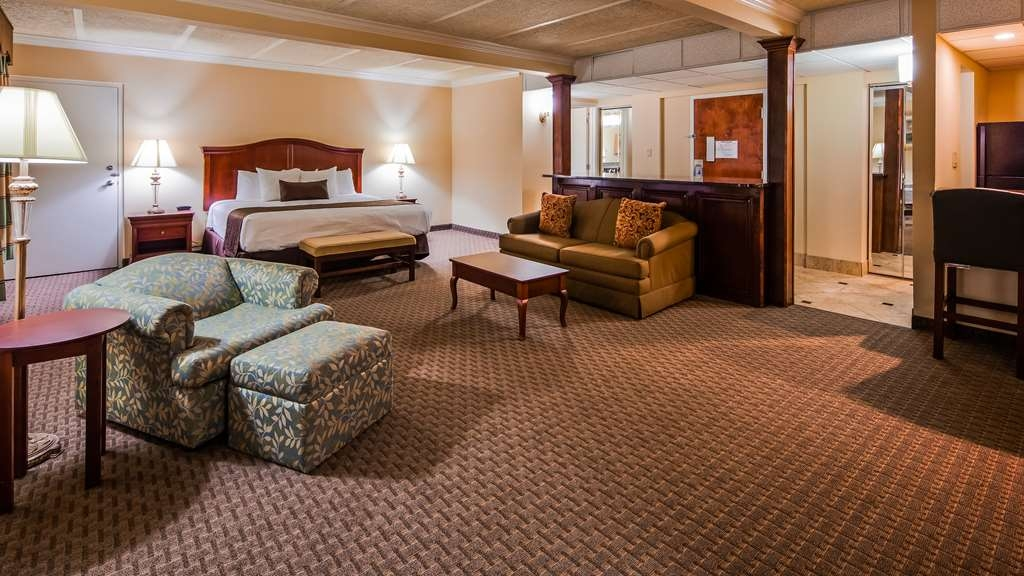 Best Western Plus Burlington - Our spacious King Deluxe comes with one king bed, recliner, sofa bed, 42-inch flat screen television and much more!