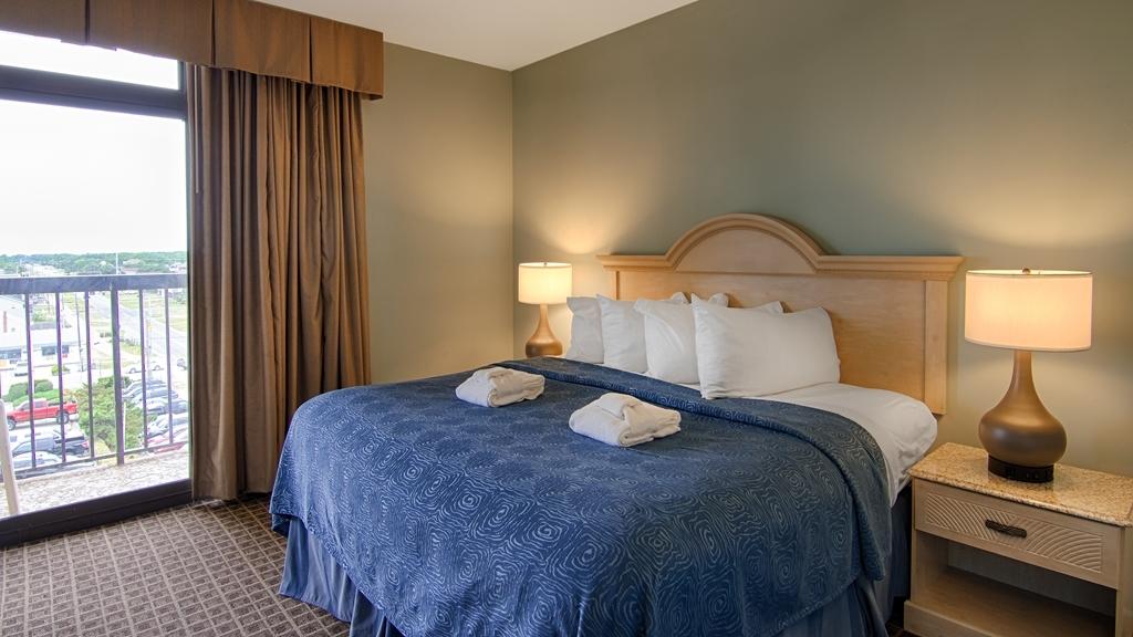 Best Western Ocean Reef Suites - Enjoy our king bedroom suites with views of both ocean and Wright Brothers Memorial.