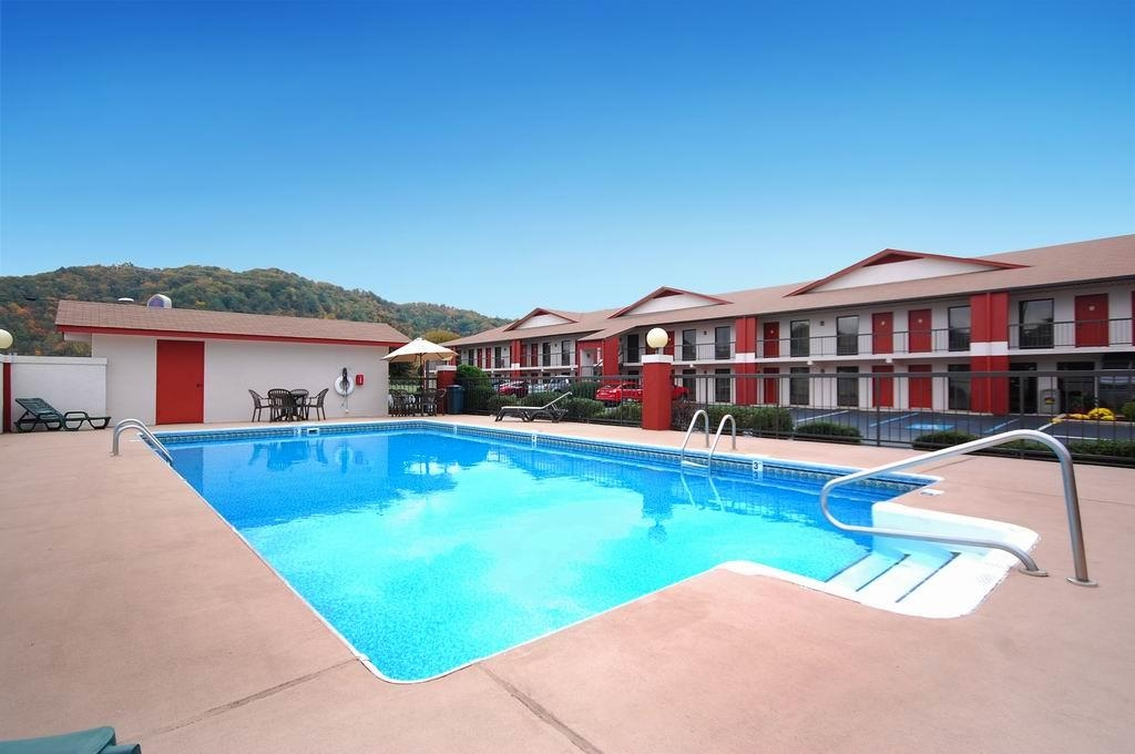 Best Western of Murphy - Seasonal outdoor pool