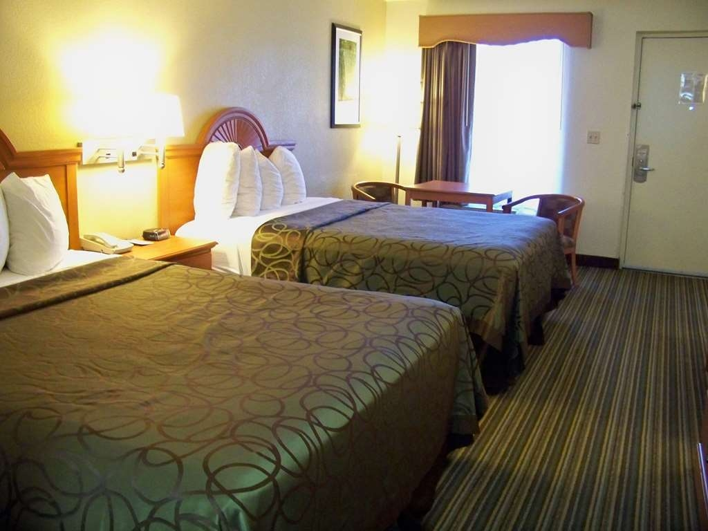 Best Western of Murphy - 2 Queen Bed (non-pet) guest room with refrugerator, microwave, coffee maker, etc. Free breakfast included.