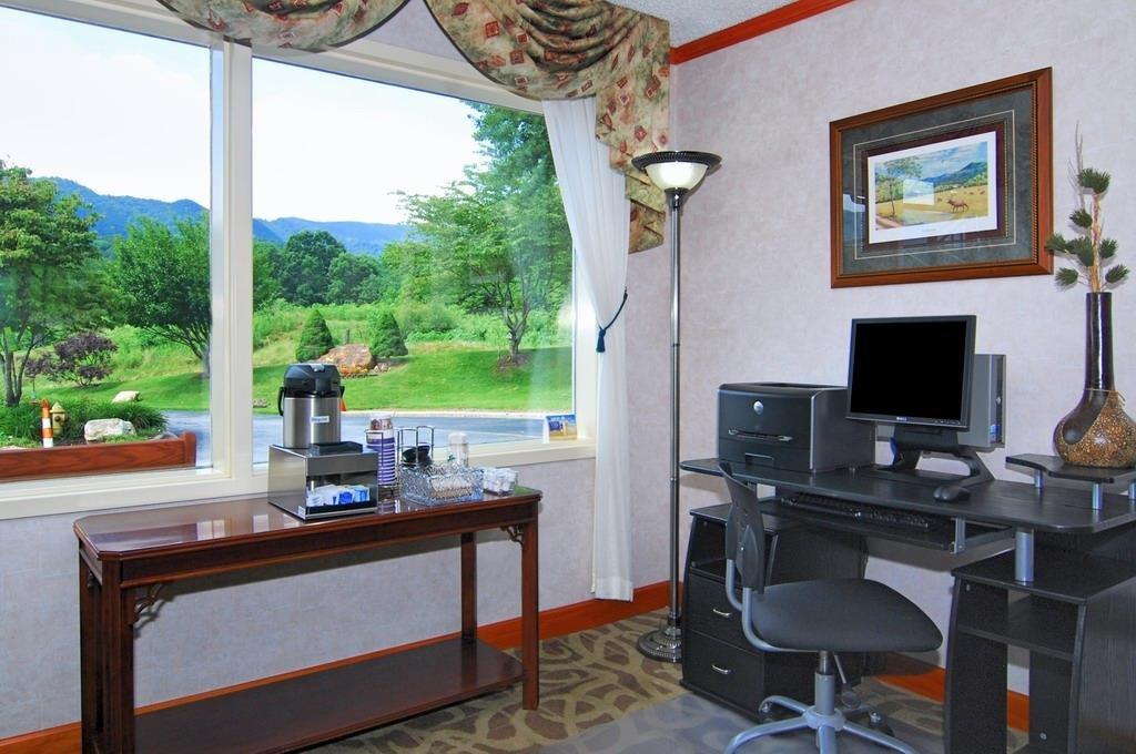 Best Western Smoky Mountain Inn - Geschäft-zentrum