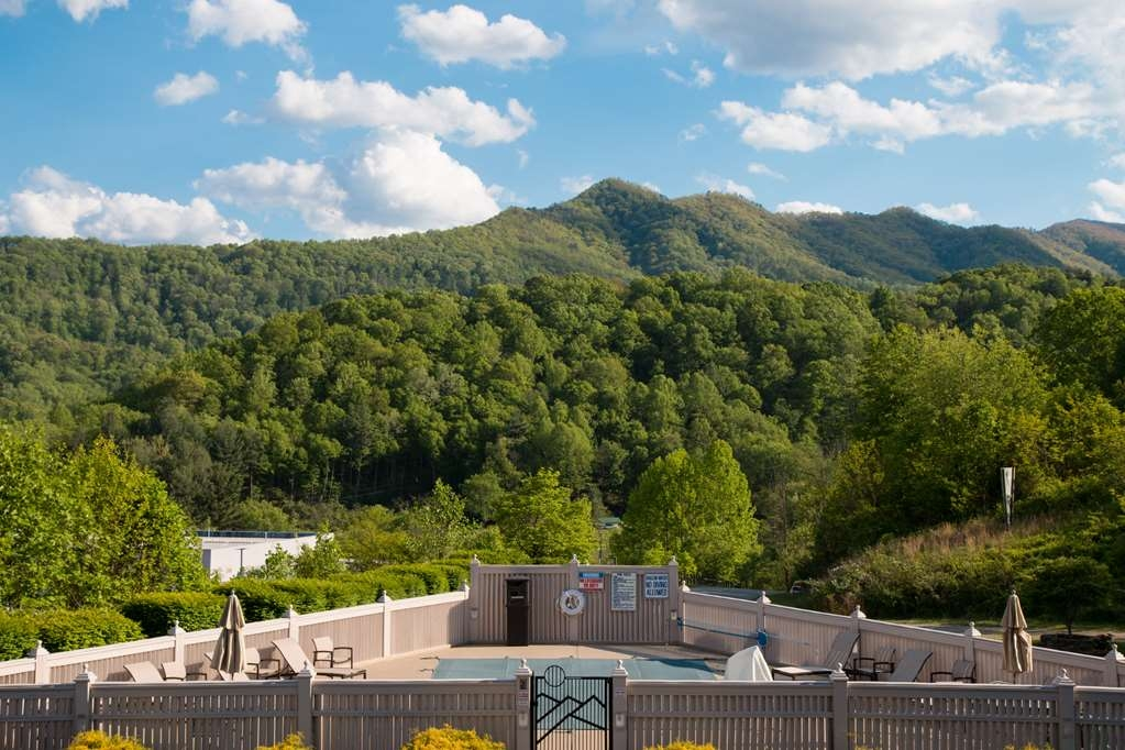 Best Western Smoky Mountain Inn - Vista de la piscina
