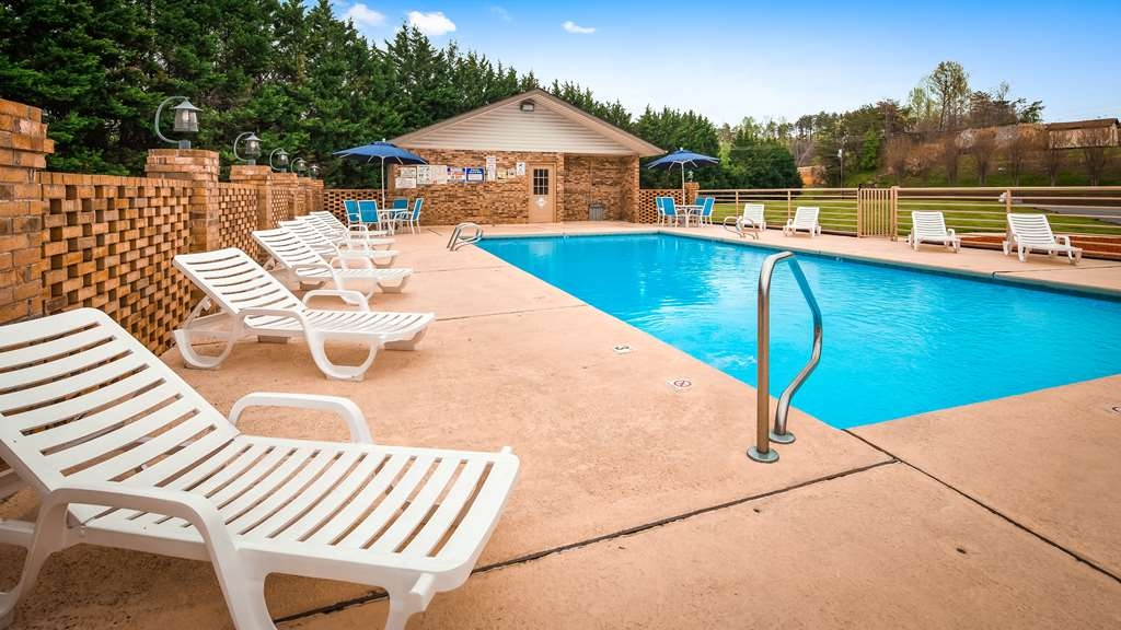 Best Western Bryson Inn - Outdoor Pool