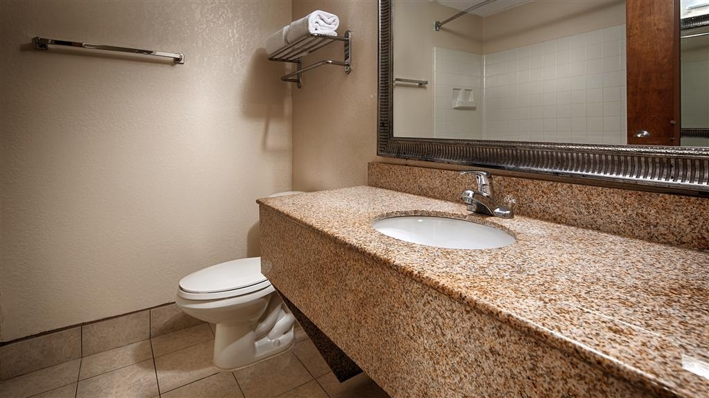 Best Western Statesville Inn - Enjoy getting ready for the day in our fully equipped guest bathrooms.