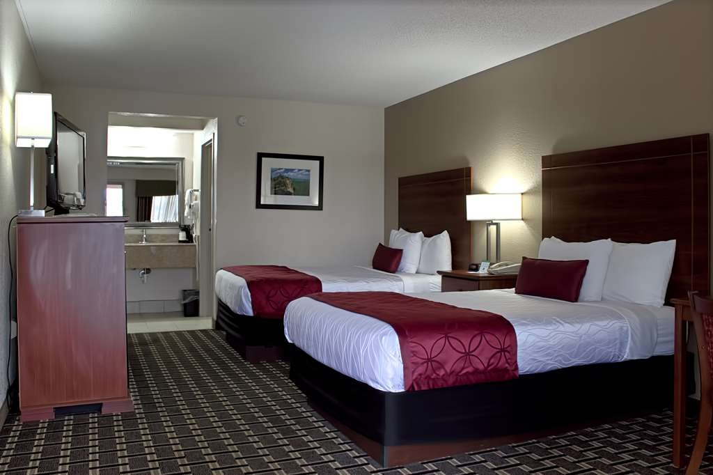 Best Western Statesville Inn - Sink into our comfortable beds each night and wake up feeling completely refreshed.