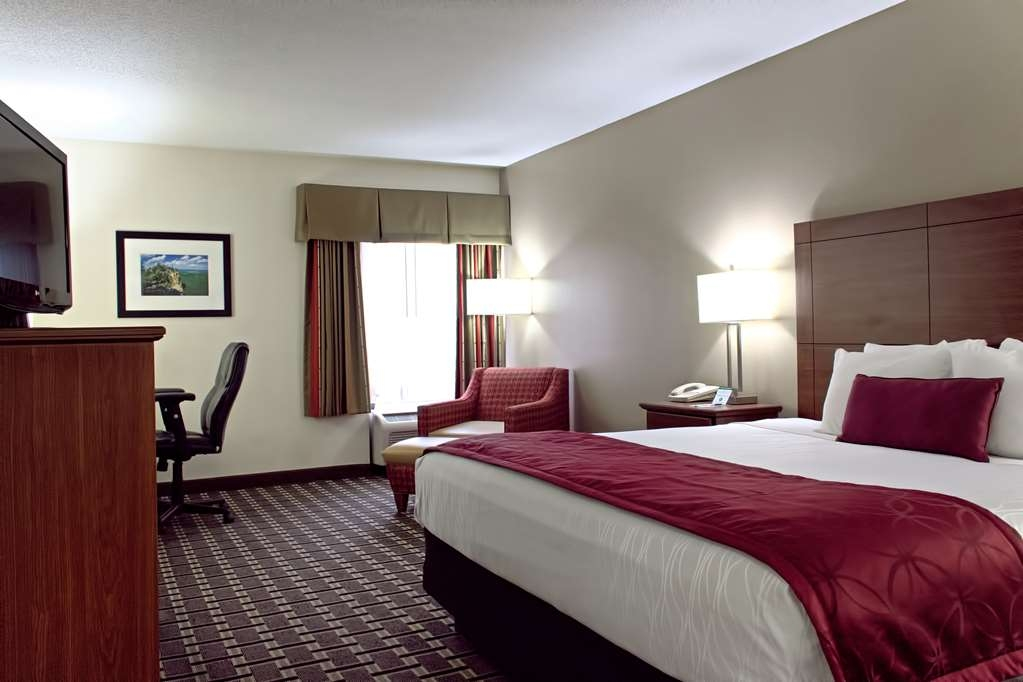 Best Western Statesville Inn - Designed for corporate and leisure traveler alike, make a reservation in this king room.