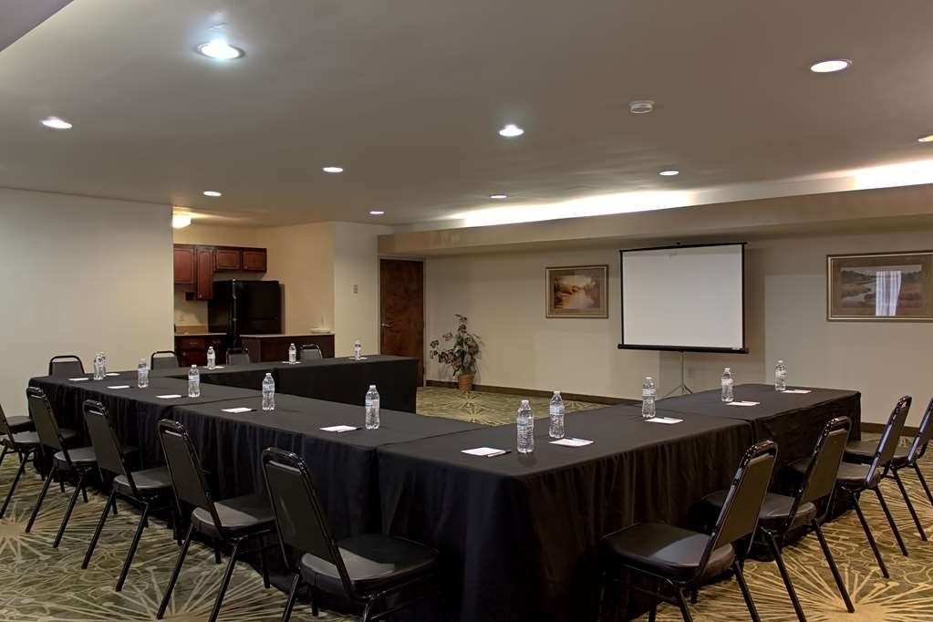 Best Western Statesville Inn - Our meeting room can accommodate 50-70 people classroom style. Ask us how we can help you with your catering needs.