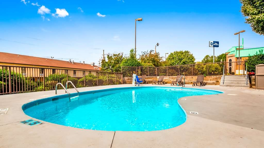 Best Western Statesville Inn - Outdoor Pool