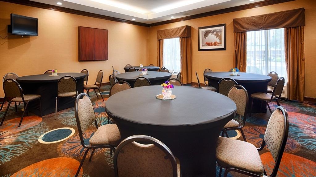 Best Western Plus Greensboro/Coliseum Area - Sala de reuniones