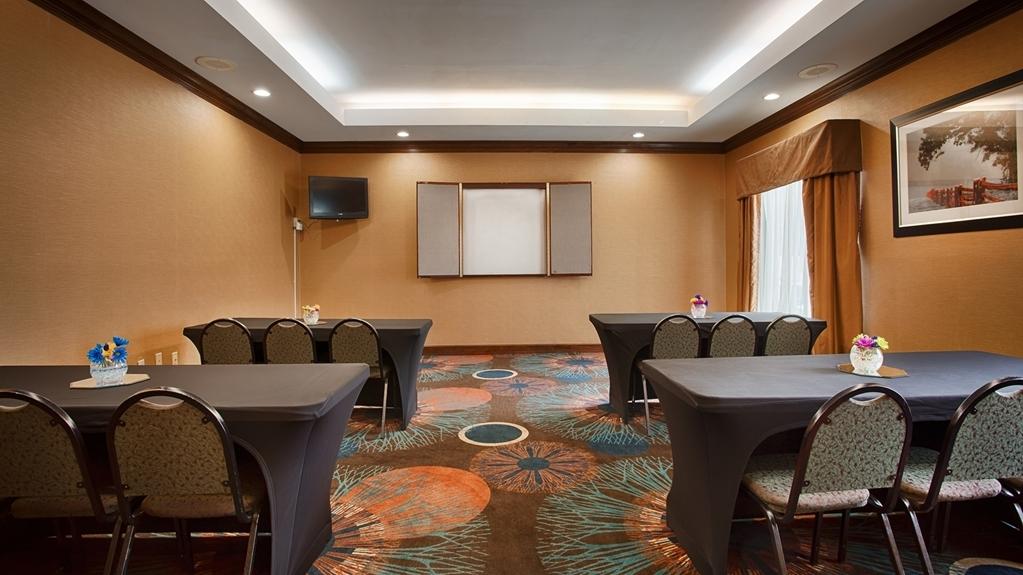 Best Western Plus Greensboro/Coliseum Area - Meeting Room