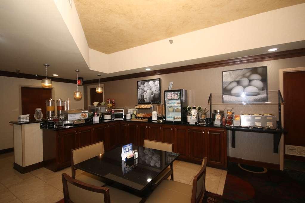 Best Western Plus Greensboro/Coliseum Area - Prima colazione a buffet