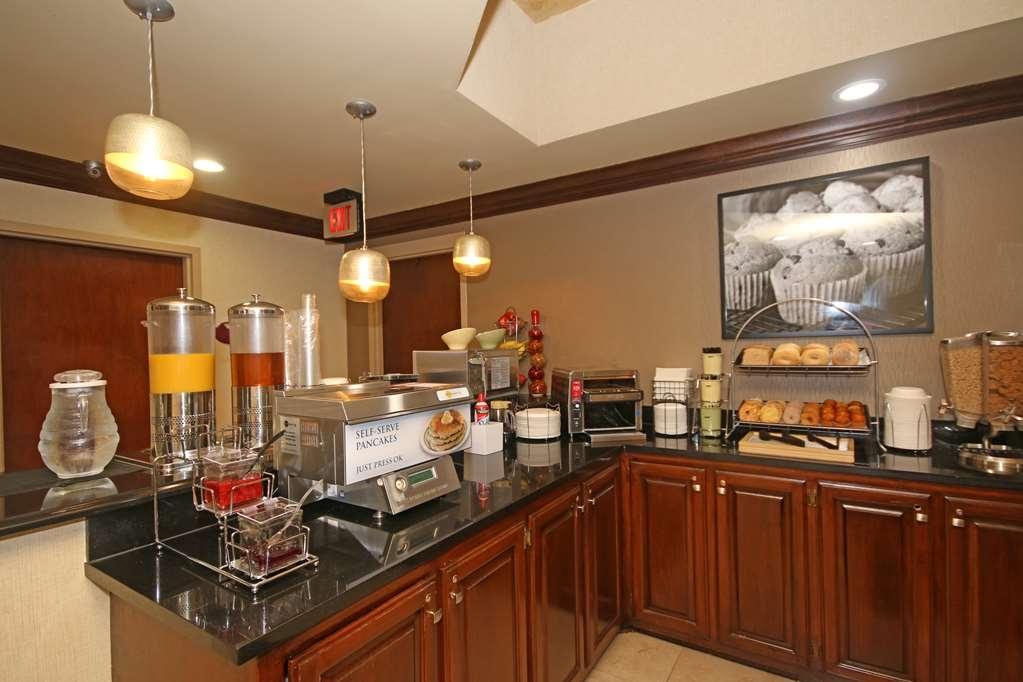 Best Western Plus Greensboro/Coliseum Area - Breakfast Area