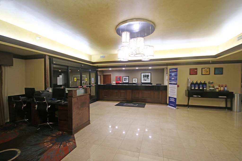Best Western Plus Greensboro/Coliseum Area - Front Desk