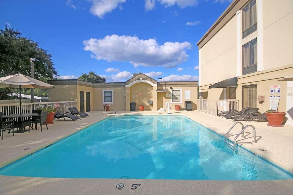 Best Western Plus Greensboro/Coliseum Area - Pool