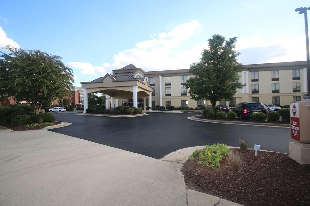 Best Western Plus Greensboro/Coliseum Area - Vista Exterior