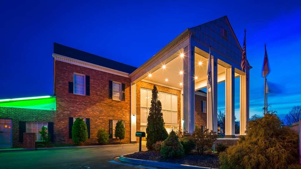 Best Western Hendersonville Inn - Façade
