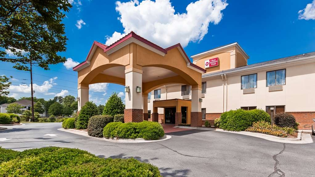 Best Western Plus Suites-Greenville - Facciata dell'albergo