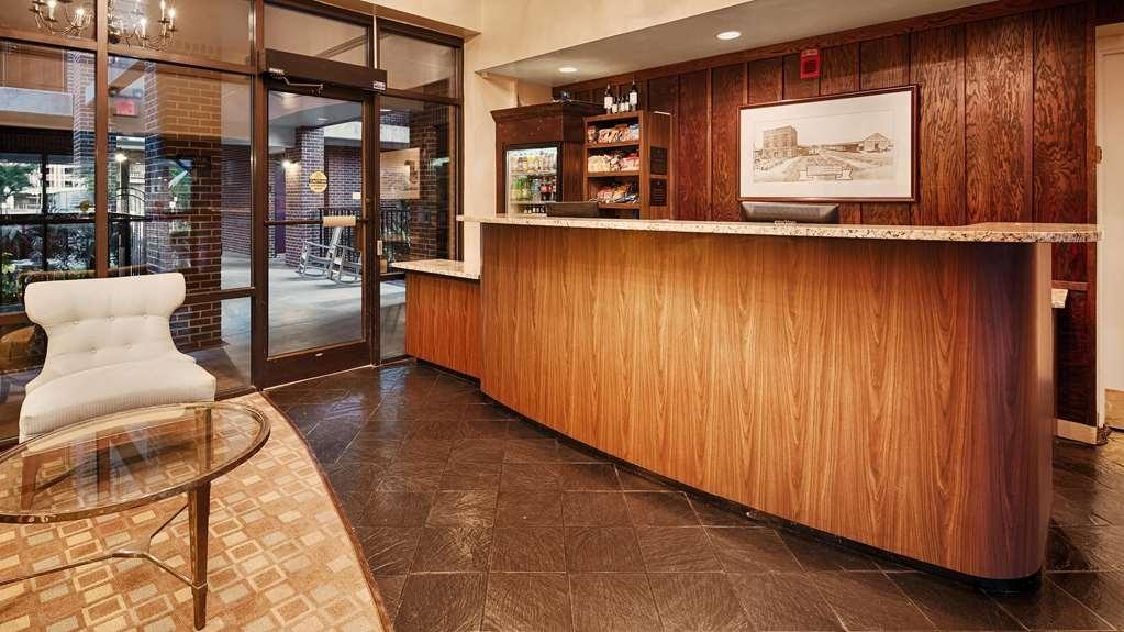Best Western Plus Coastline Inn - Hall