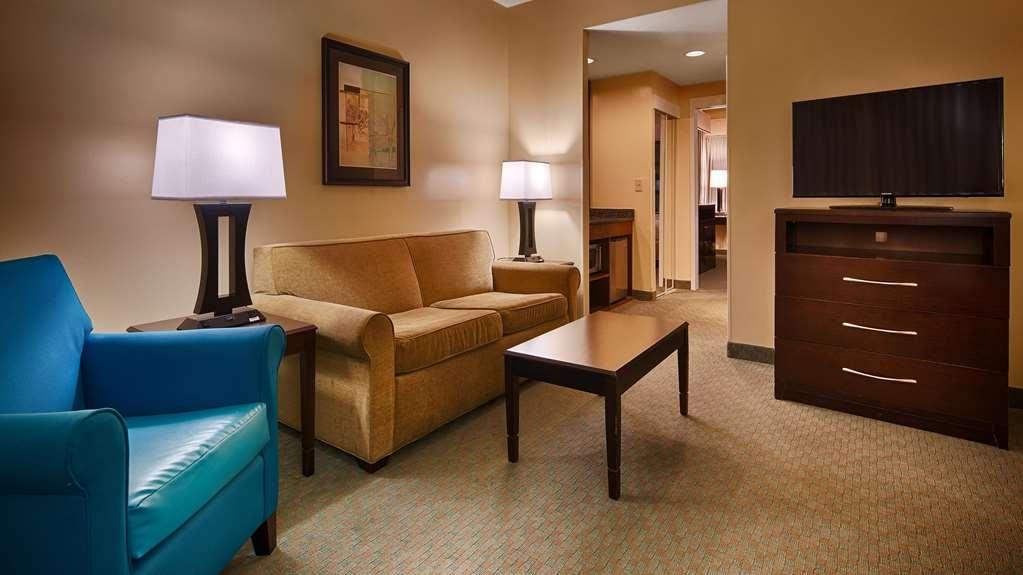 Best Western Plus Coastline Inn - Suite