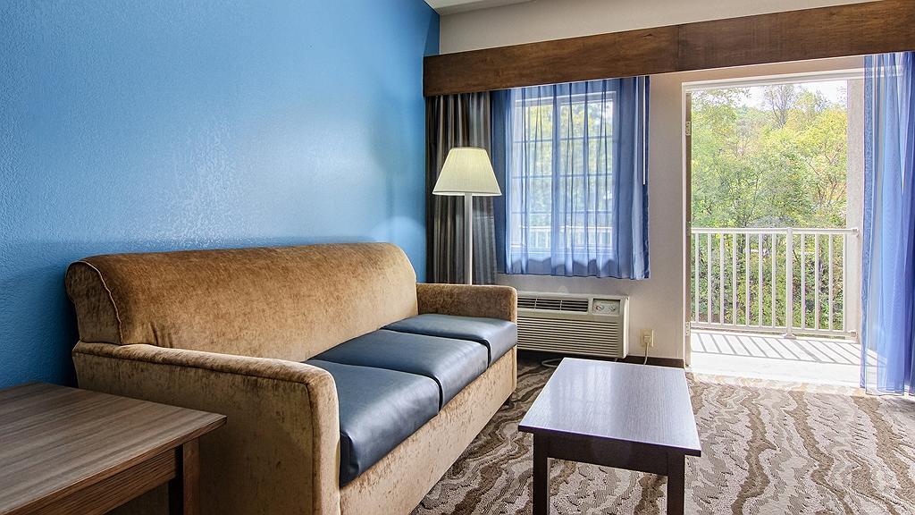 Hotel In Dillsboro Best Western Plus River Escape Inn Suites
