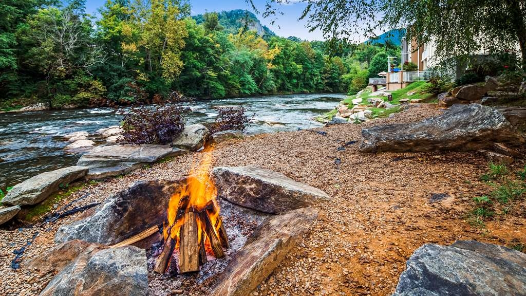 Best Western Plus River Escape Inn & Suites - Relaxing Fire Pit by River - After exploring Hiking & Waterfall Trails along the Blue Ridge Parkway.