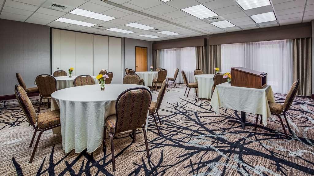 Best Western Plus River Escape Inn & Suites - Sala de reuniones