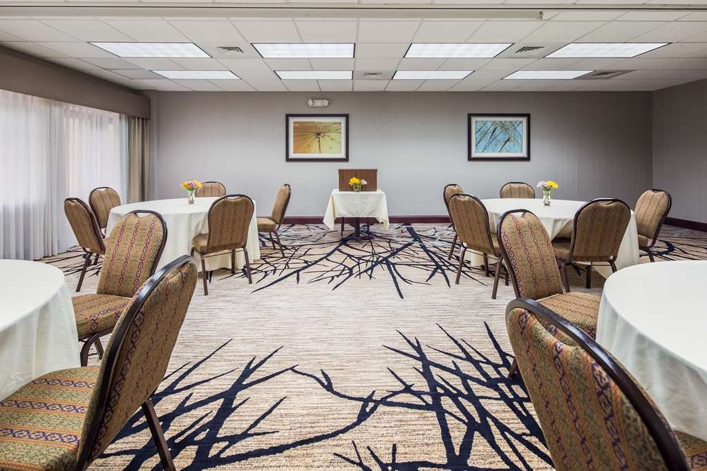 Best Western Plus River Escape Inn & Suites - Balneario