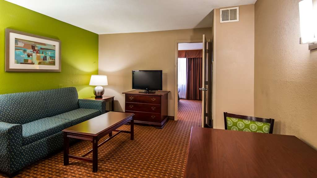 Best Western Raleigh North-Downtown - Suite