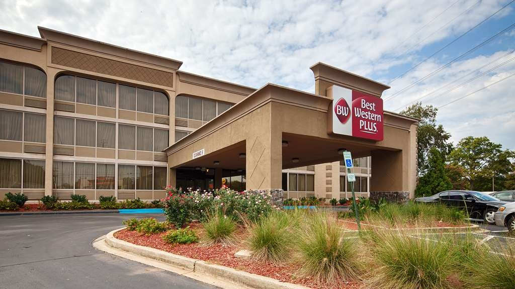 Best Western Sterling Hotel & Suites - Facciata dell'albergo