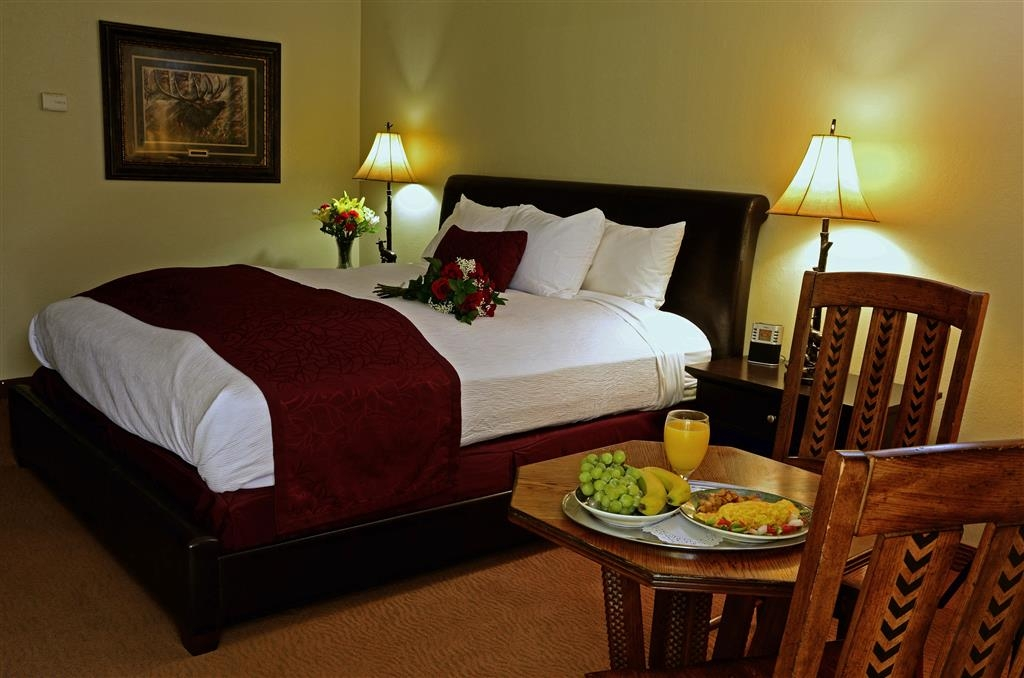 Best Western Mountain Lodge at Banner Elk - Suite con cama de matrimonio extragrande