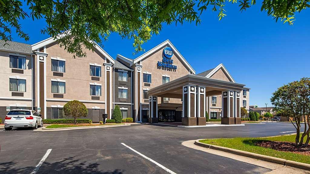 Best Western Smithfield Inn - Facciata dell'albergo