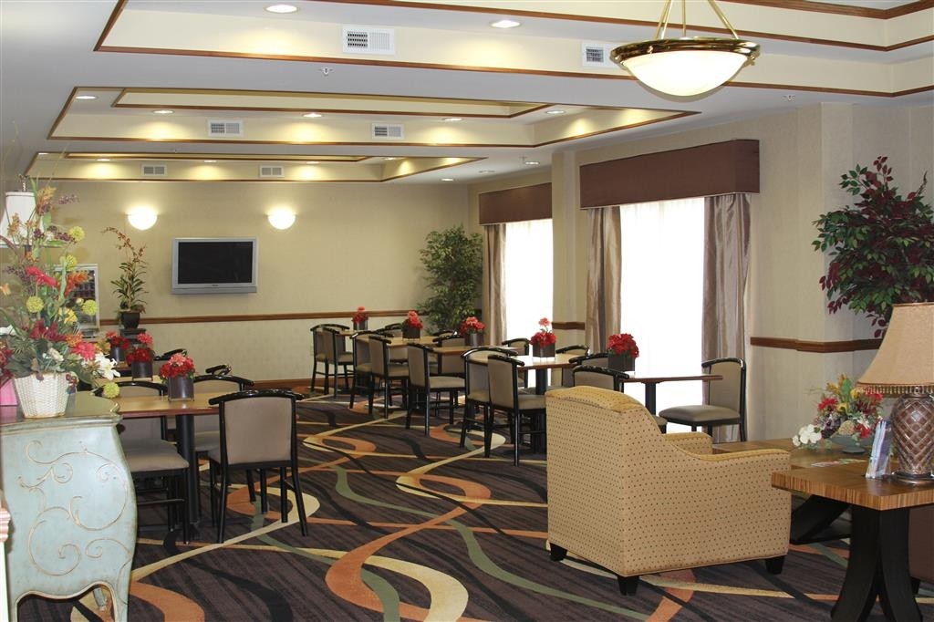 Best Western Smithfield Inn - Breakfast Area