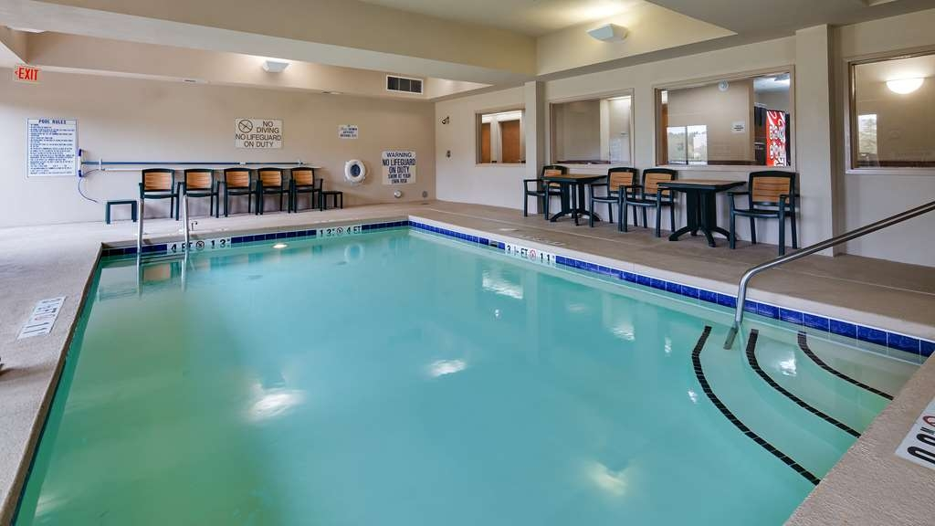 Best Western Smithfield Inn - Pool