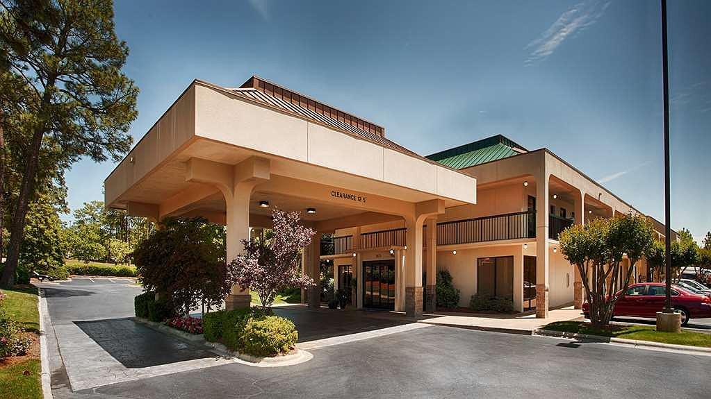 SureStay Plus Hotel by Best Western Southern Pines Pinehurst - Vista exterior