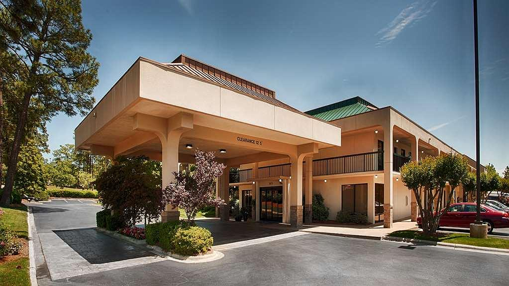 SureStay Plus Hotel by Best Western Southern Pines Pinehurst - Vista exterior