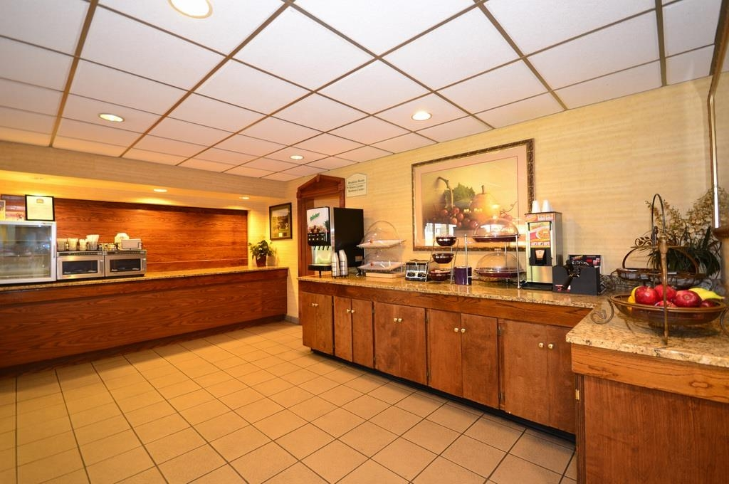 Best Western Pinehurst Inn - Breakfast Area