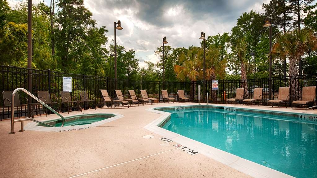Best Western Plus Westgate Inn & Suites - whilrpool