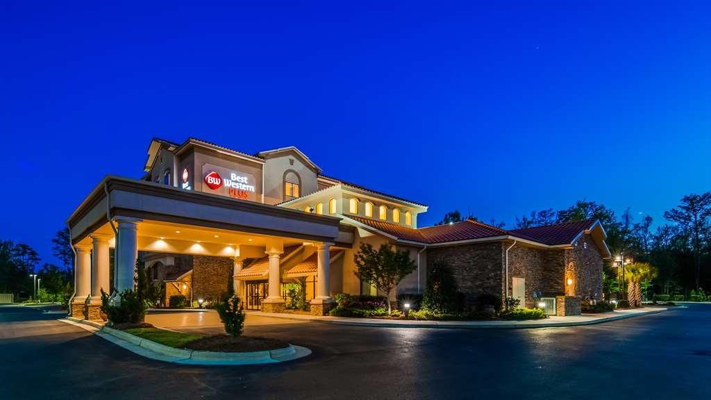 Best Western Plus Westgate Inn & Suites - Exterior