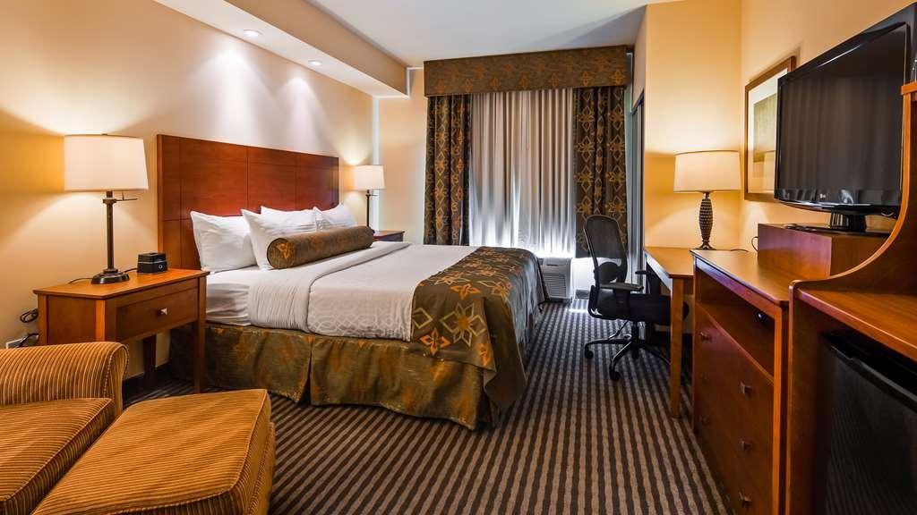 Best Western Plus Westgate Inn & Suites - Guest Room