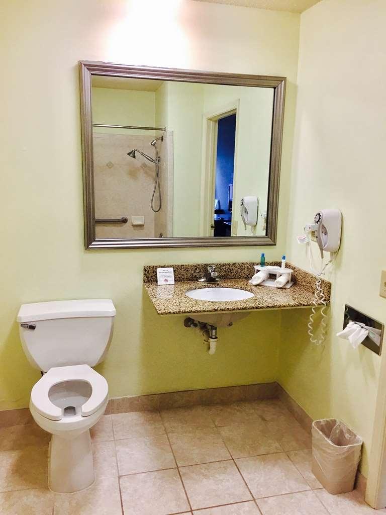 Best Western Butner Creedmoor Inn - Badezimmer
