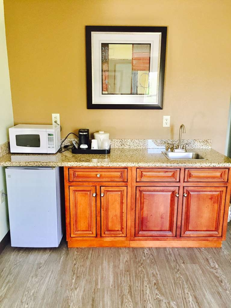 Best Western Butner Creedmoor Inn - Suite
