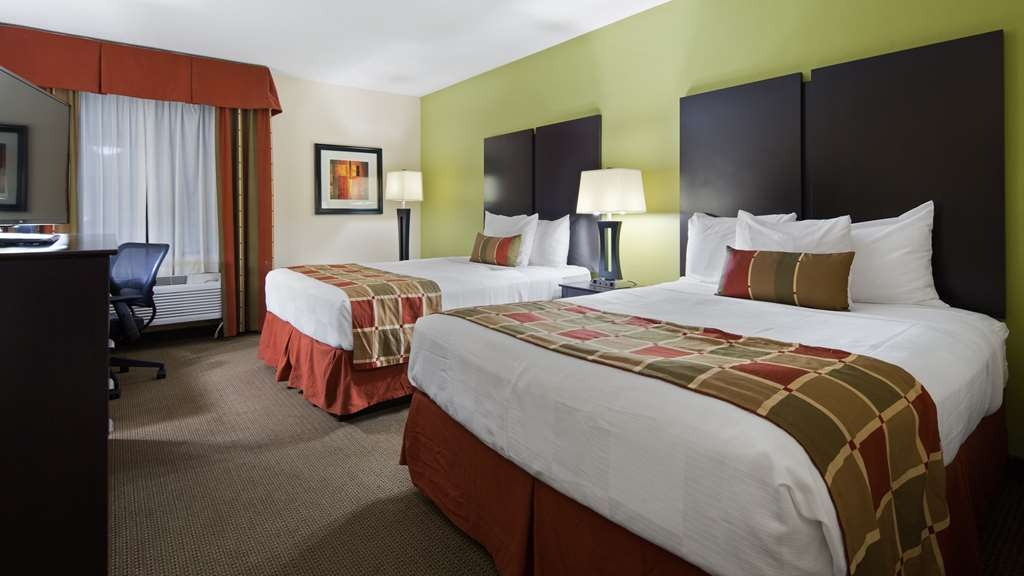 Best Western Plus Huntersville Inn & Suites Near Lake Norman - We offer a variety of 2 queen rooms from standard to mobility accessible.